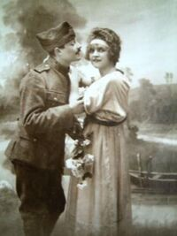 Couple-Militaire amoureux 01-vers 1914
