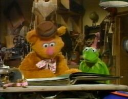 FozziesMuppetScrapbook1
