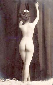 Vintage photo nude woman 2