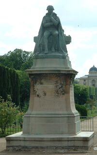 LamarckStatue