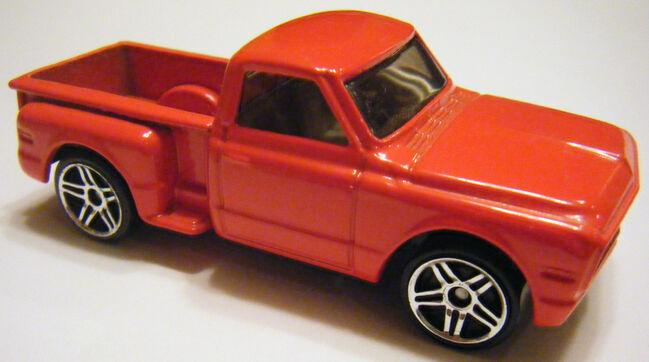 ¿Cual es tu Hotwheels favorito? 649px-Custom_%2769_Chevy_-_02FE