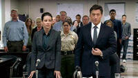 4x04-kate-with-lawyer-trial
