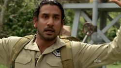5x16 Sayid shot with the bomb