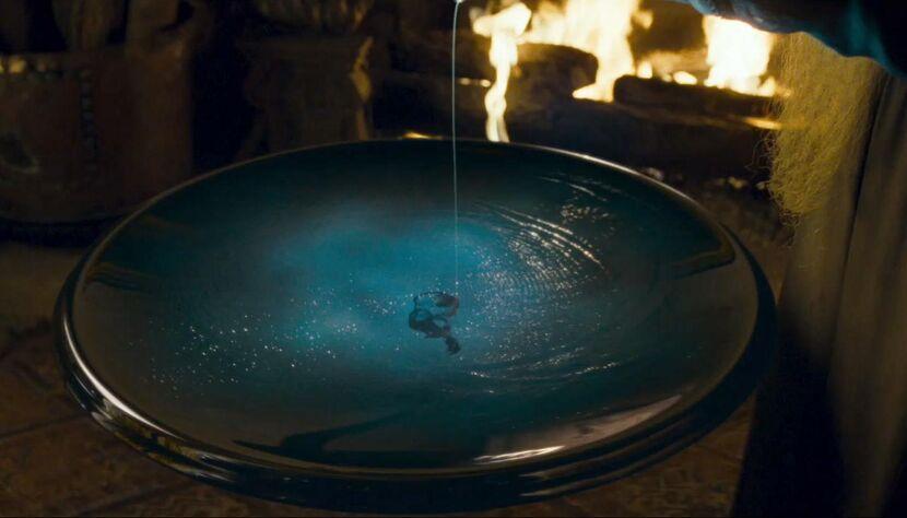 Dumbledores minnessåll är som en slags inbox. I den kan Dumbledore lägga tankar när han känner att det helt enkelt är för mycket i huvudet just nu.