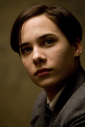 File:Frank Dillane as Teenage Tom Marvolo Riddle.jpg