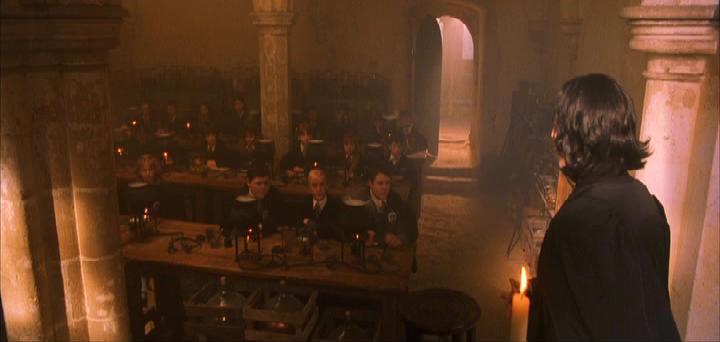 Aula de Pociones.  P1_Severus_Snape_Clase_Pociones