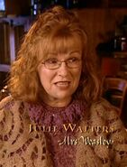 Julie Walters (Molly Weasley) CoS screenshot
