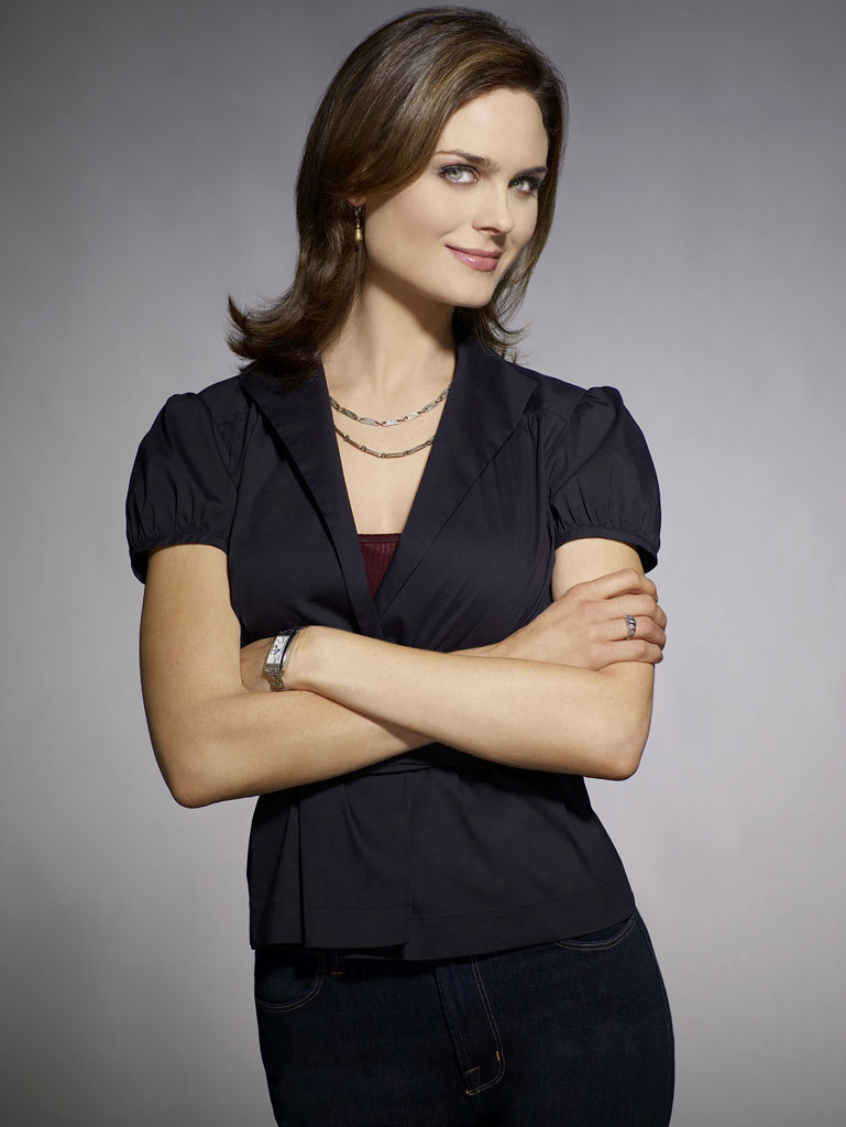 File:Emily-deschanel.jpg. Featured on:Bones Wiki