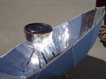 Portable solar barbecue