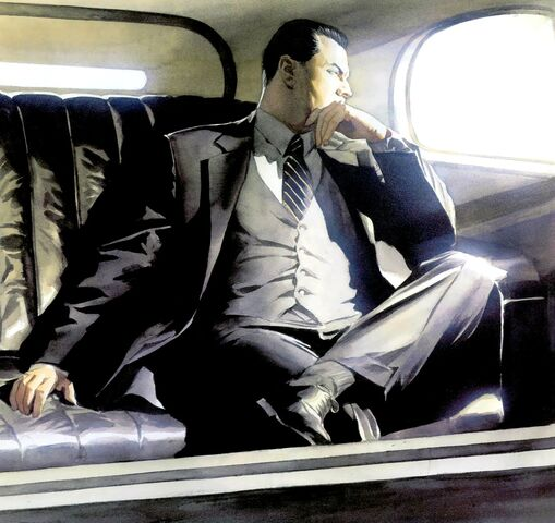Le mystère du club des riches et puissants de Gotham. 509px-Bruce_Wayne_013