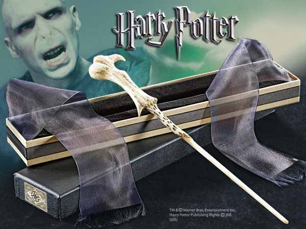 Image lord voldemort 39 s harry potter wiki for Voldemort wand