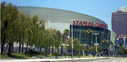 Staplescenter2
