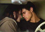 Copy (2) of new-moon-movie-pictures-560