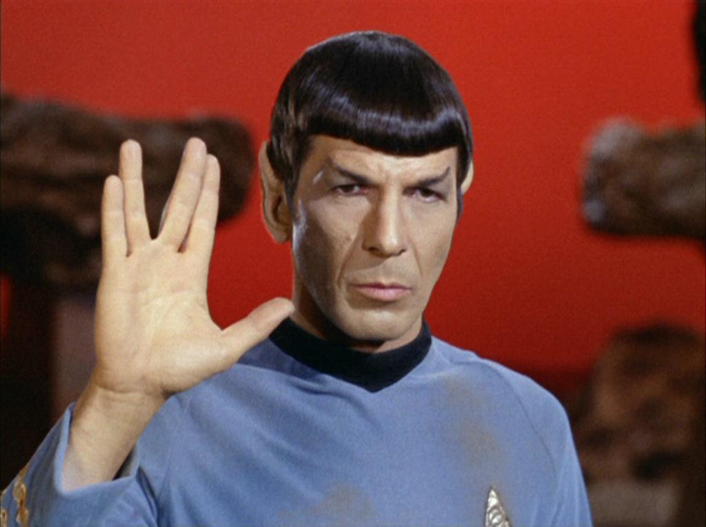 Mi cumpleaños Spock_performing_Vulcan_salute