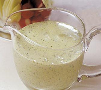 Creamy herb dressing.jpg|thumb|300px|right]]