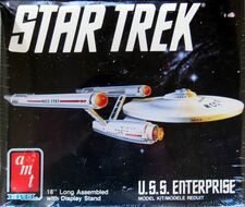 AMT Model kit 6676 USS Enterprise 1989