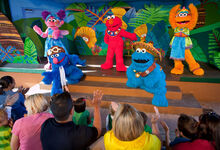 Sesamestreetstageshowatsafarioffun
