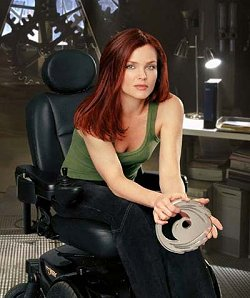 Oracle (Dina Meyer)
