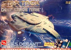 AMT Model kit 8398 USS Defiant 1997