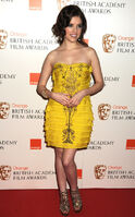 Anna-kendrick-bafta-awards-2010-covorul-rosu
