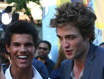 Robert-pattinson-taylor-lautner-vma-3