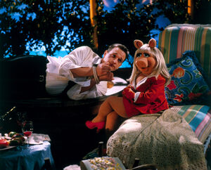 MuppetsFromSpace-JoshCharles-and-Piggy