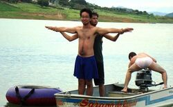 Titanic-pose-dorks