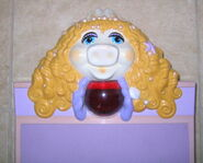 Miss piggy bathroom scale 2