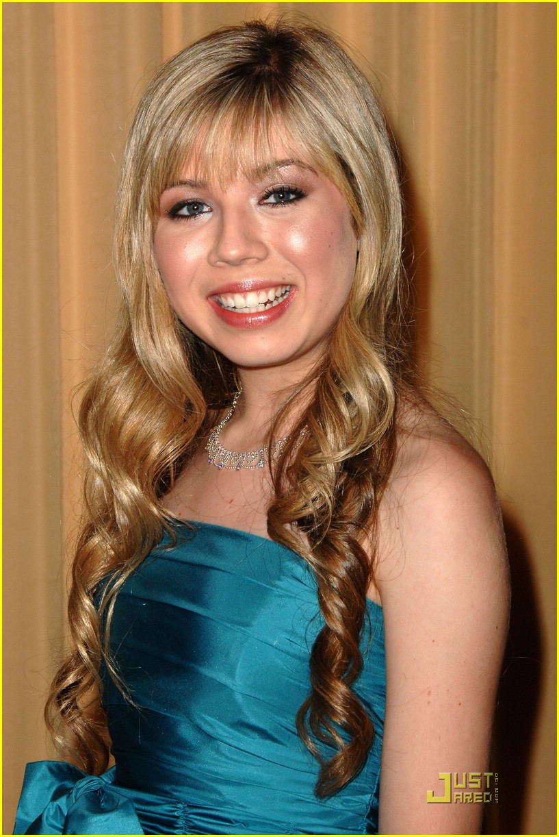 Jennette-mccurdy-ashley-argota-prism-03.jpg