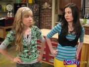 Sam-and-Carly-iquitcarly