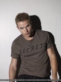 Kellan Lutz 67