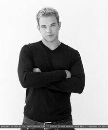 Kellan Lutz 74