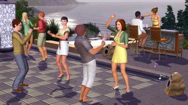 جميع اجزاء لعبة the sims 3 للكمبيوتر على اكثر من سيرفر 640px-Outdooractivities