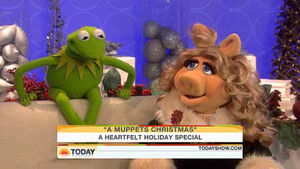 Today-Kermit&MissPiggy-02-(2009-12-03)