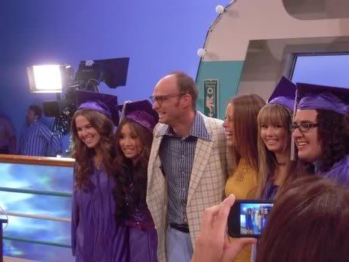 File:Graduation 3.jpg