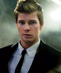 Hunter-Parrish-Boy-Wonder articleimage