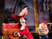 Disneyjr hook smee 2 500