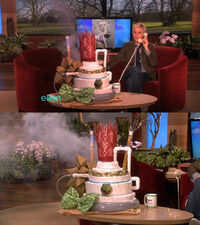 Ellen-LadyGaga25thBirthdayCake-(2011-03-28)