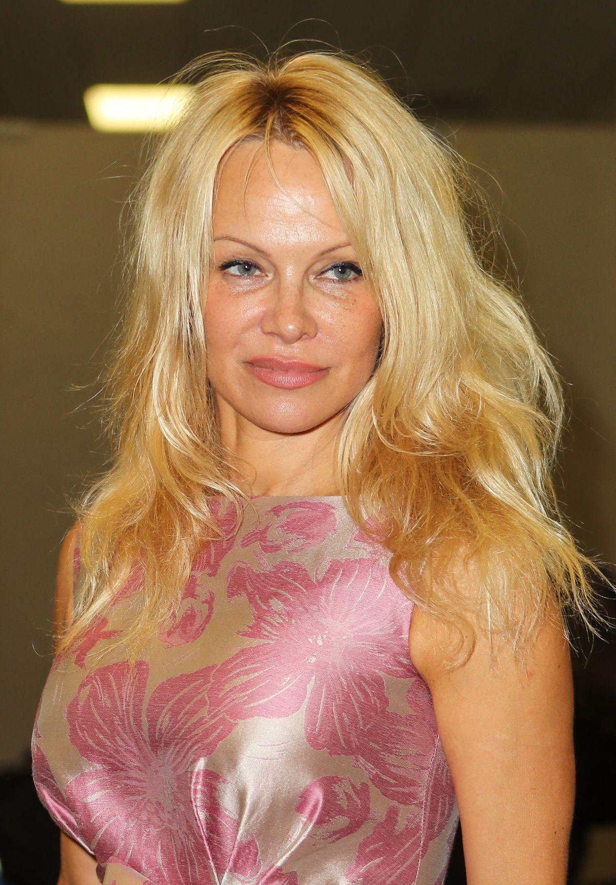 Pamela Anderson - Doblaje Wiki