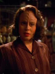 B&#39;Elanna Torres als Brigitte