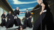 Ikkaku faces off against Hisagi
