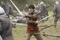 Edmund-pevensie-in-battle-with-the-telmarine-soldiers