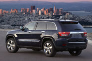 2011-Jeep-Grand-Cherokee-13