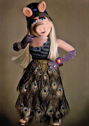 Prada-MissPiggy-(2005)-NEW