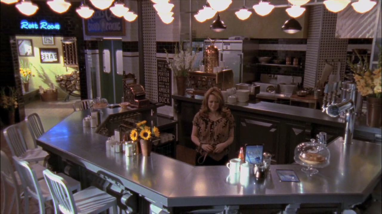 http://images3.wikia.nocookie.net/__cb20110605014712/onetreehill/images/d/d0/N_KC.jpg