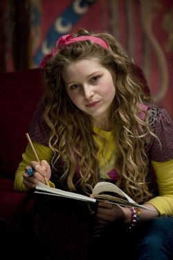 Jessie-cave-lavanda-brown-in-una-scena-del-film-harry-potter-and-the-half-blood-prince-125885
