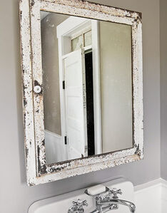 Bathroom2 Mirror LowRes-de-50954751