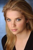 Ashley-benson resimleri 20 display image
