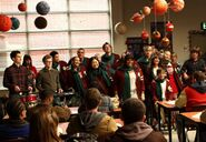 10; A VERY GLEE CHRISTMAS