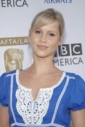 Claire-Holt-h2o-just-add-water-2435888-1707-2560